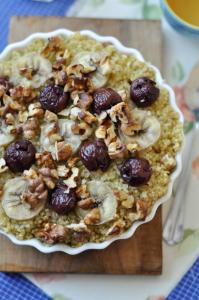 quinoa banánnal és meggyel - gluténmentes reggeli recept