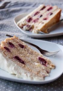 olcsó réteges gluténmentes ünnepi torta, születésnapi torta, torta évfordulóra