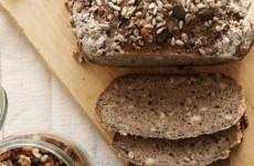 Fantasztikus magkeverékes gluténmentes kenyér
