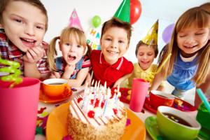 Gluténmentes torta, gyerekzsúr, vendégség gluténérzékeny gyerekkel.