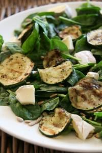 friss zöldsaláta cukkinivel gluténmentes recept