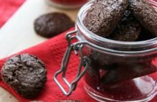 Gyors kakaós-diós gluténmentes keksz amit mindenki imádni fog!