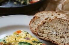 Paradicsomos bébispenótos mini frittata – húsvéti tojásétel kicsit másképpen