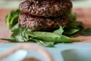 Fekete quinoás pulykafasírt - gluténmenets főzelékfeltét recept