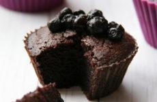 Csokoládés muffin egy kis csavarral, gluténmentesen, édesítőszerrel