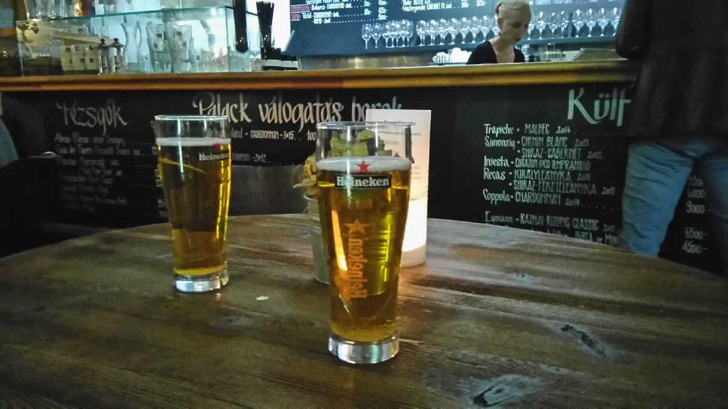 CELIA ORGANIC gluténmentes sör Heineken pohárban