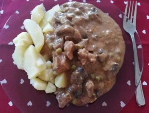 Kedvesi borjú tokány gluténmentes ebéd kiszállítás Szederinda Étterem