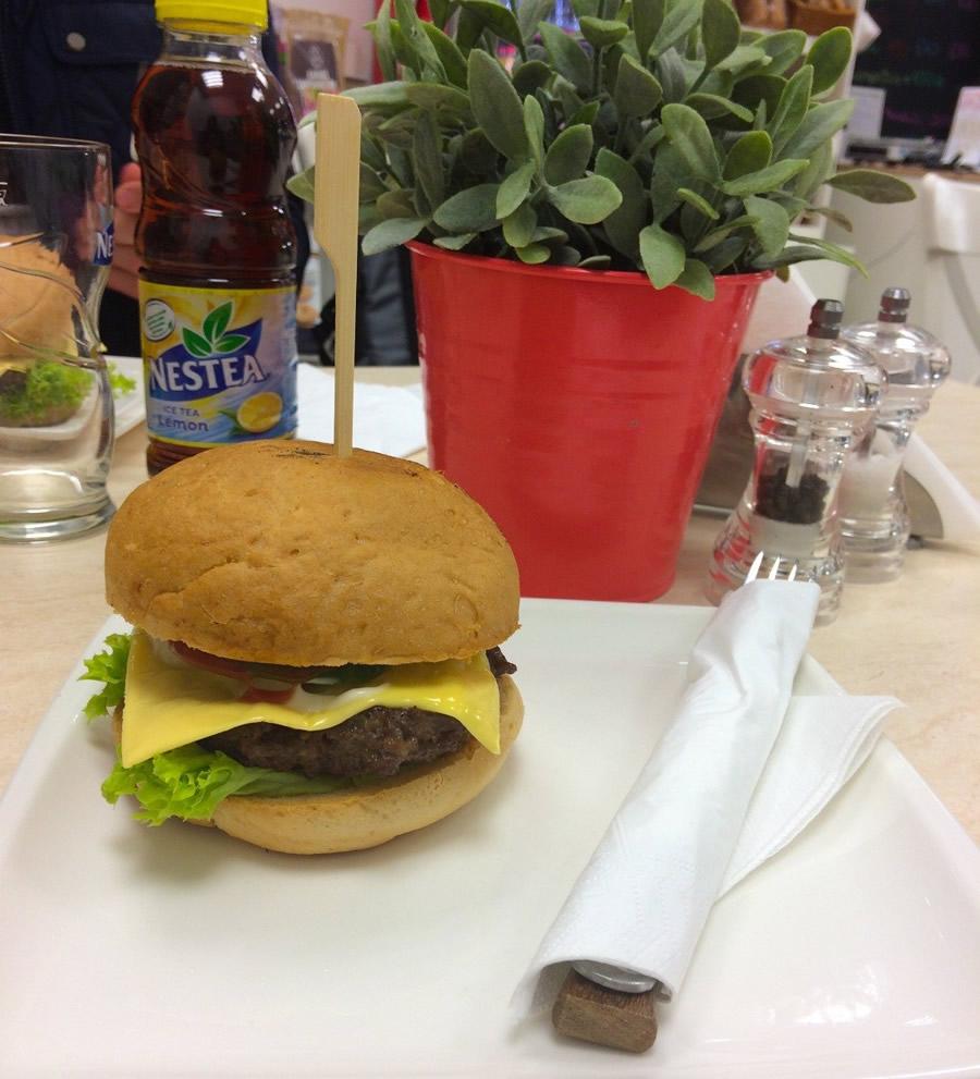 Cöli Bisztro gluténmentes hamburger