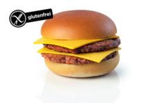 Gluténmentes sajtburger Schär zsemlében 2017 június 6.-tól