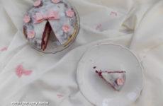 Red Velvet gluténmentes torta mascarpone-s áfonyás krémmel
