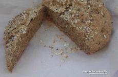Vaslábasban sült többmagvas barna gluténmentes kenyér