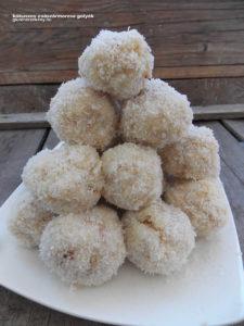 kókuszos gluténmentes császármorzsa golyók