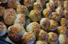 Julcsi laktóz- és gluténmentes sajtos pogácsa receptje