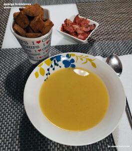 gluténmentes spárga krémleves