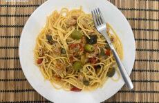 Tonhalas gluténmentes mediterrán spagetti